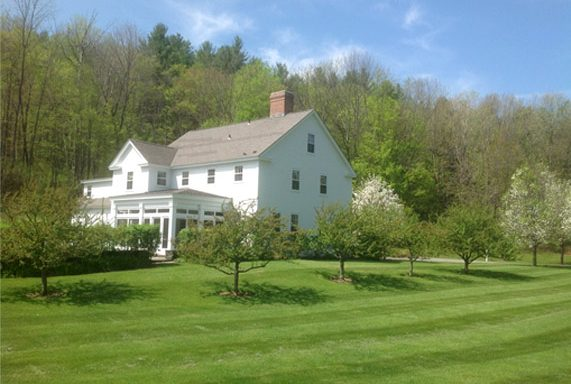 Southern Vermont house newly painted by Eddie Charbonneau Painting